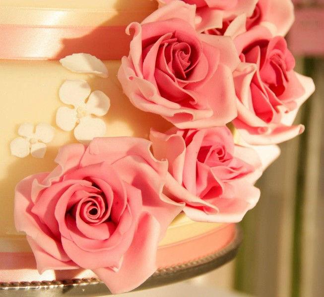 Beispiel: Detail Hochzeitstorten, Foto: The Cake Boutique.