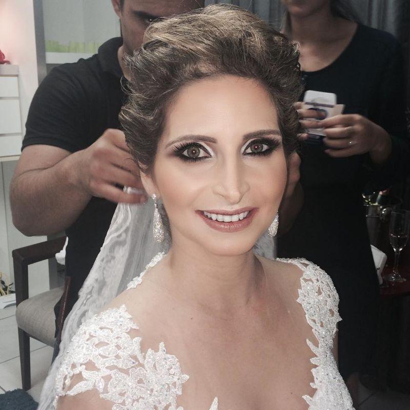 Jana Deambrozi Make e Hair
