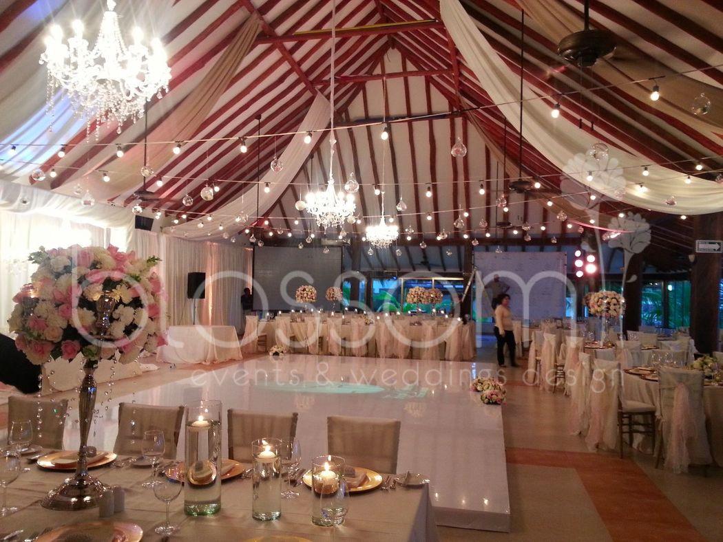 Montaje en marina para boda, hermosa combinacion de texturas, candelabros y foquitos.