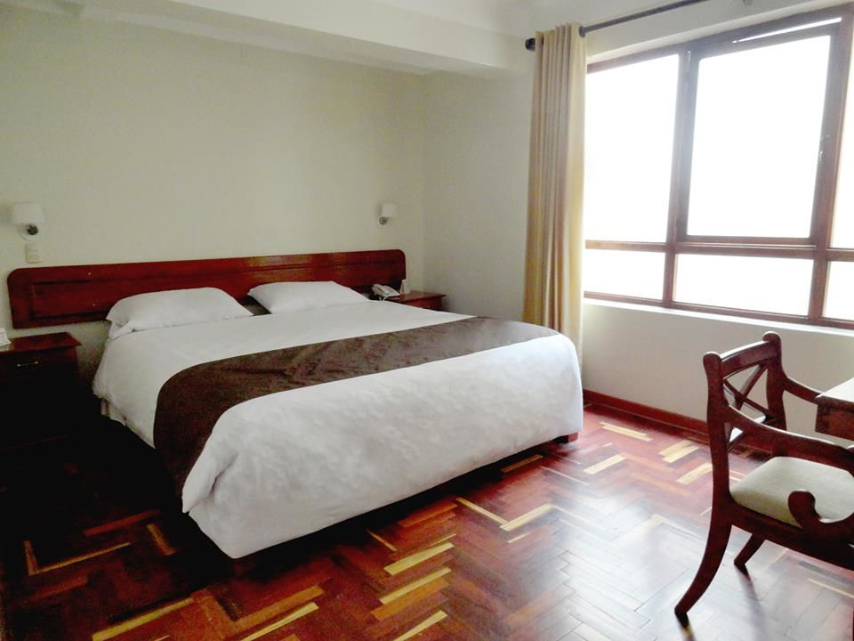 Hotel Emperador Plaza
