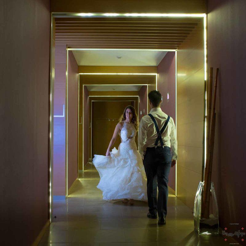 por los pasillos del hotel Silken Puerta Valencia