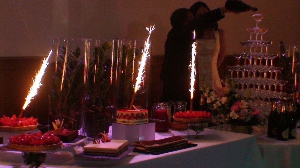 Buffet des Desserts & Artifices, Cascade de Champagne