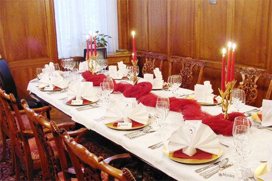 Beispiel: Hochzeitstafel, Foto: Landhaus Hubertus.