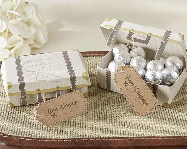 Cajas de cartulina en diseño equipaje..para bodas en destino un recordatorio perfecto!