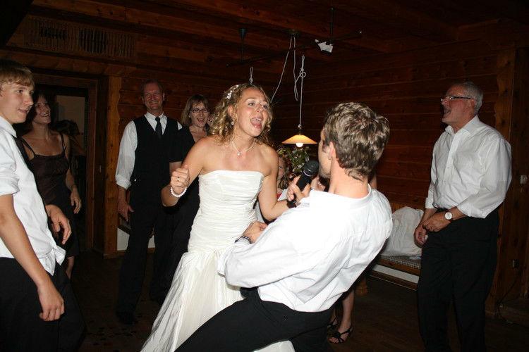 Beispiel: Hochzeitstanz mal anders, Foto: Hochzeits DJ Dany.