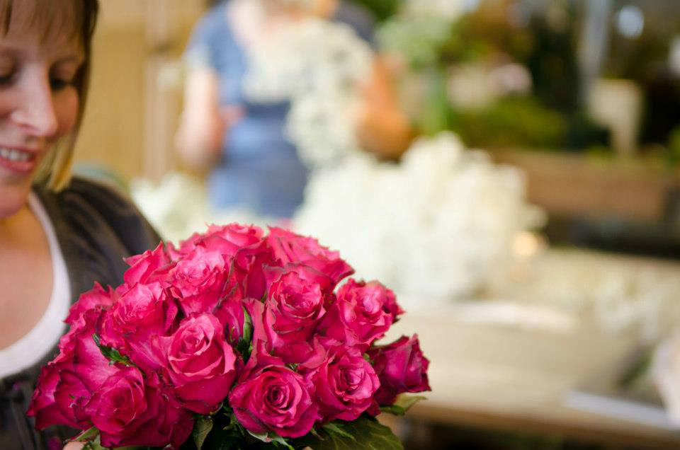 Beispiel: Brautstrauß aus Rosen, Foto: Blumen Sonn.