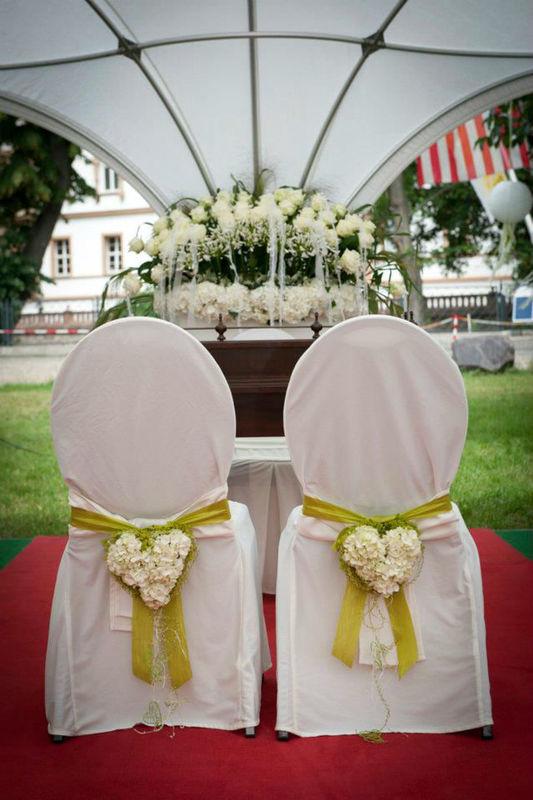 Beispiel: Blumen für die Zeremonie, Foto: Achillea Dein Blumenladen.