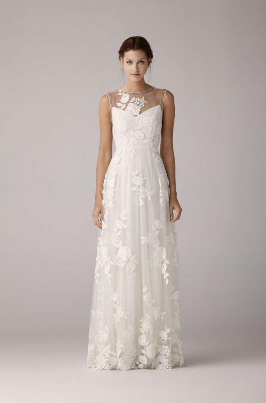 Beispiel: Brautmode, Foto: Traumkleid.