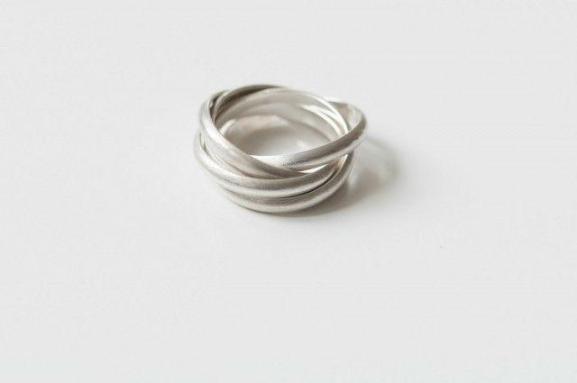 Beispiel: Silberring, Foto: frida's Schmuckstücke & Accessoires.