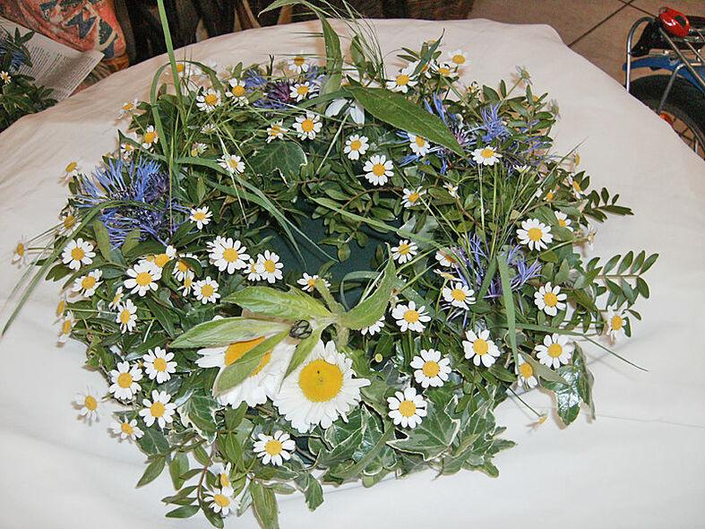 Beispiel: Sommerlicher Tischschmuck, Foto: Pusteblume.