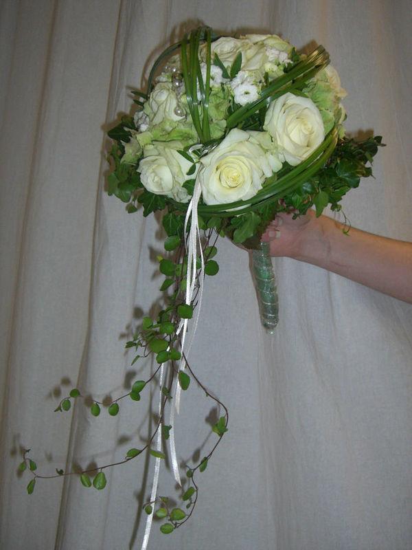 Beispiel: Wunderschöne Sträuße, Foto: Blumen G. Bechstein.