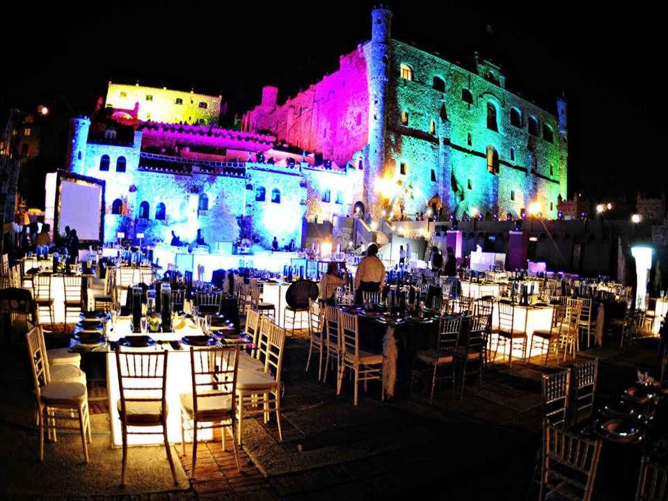Federico Leon Pinatte - Decoracion de Bodas Boda en Guanajuato Hotel el Quijote, Mesas Iluminadas y con Manteles e Iluminacion Periferica