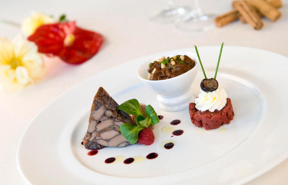 Beispiel: Kulinarische Genüsse, Foto: Hotel Chlosterhof.