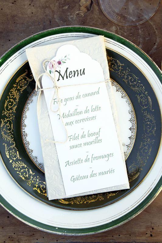 Vaisselle chinée pour mariage champêtre