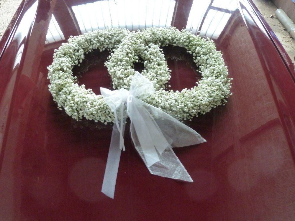 Beispiel: Floraler Autoschmuck, Foto: Toifl Blumen.