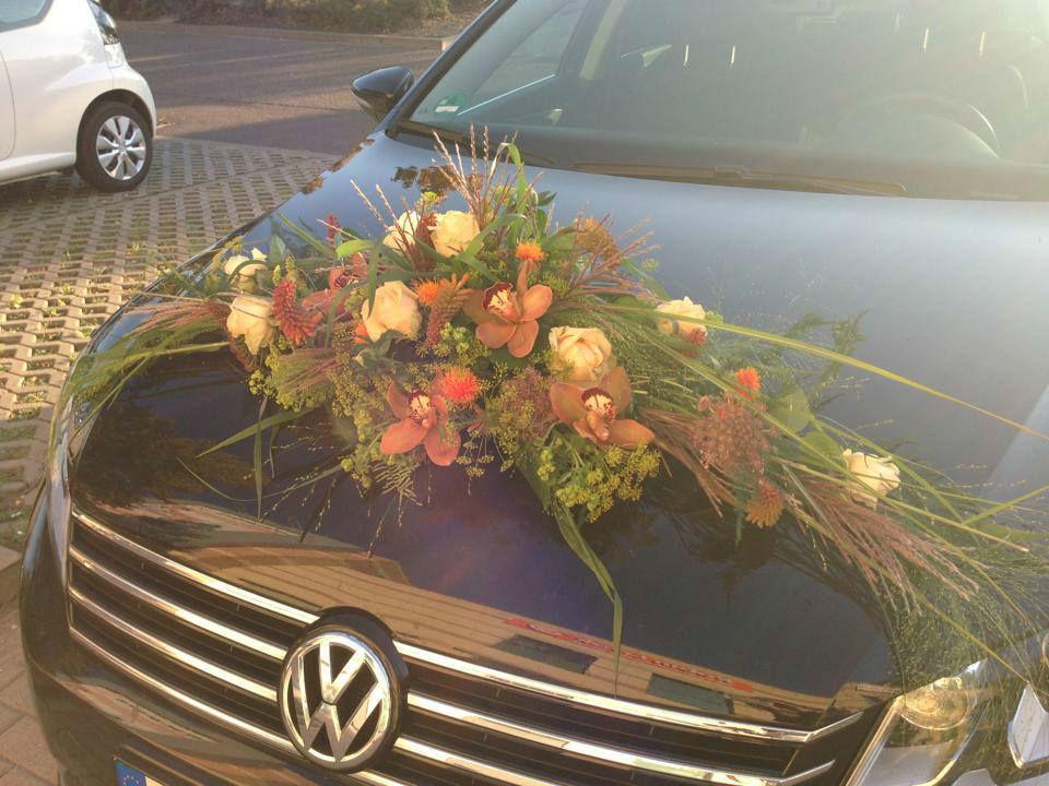 Beispiel: Autodekoration, Foto: Achillea Dein Blumenladen.