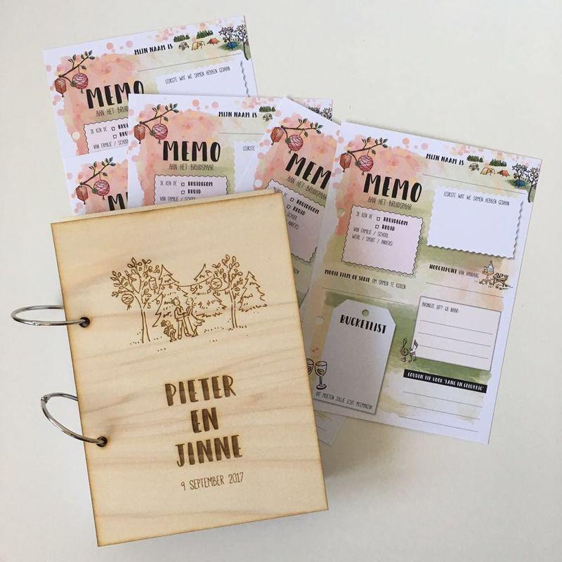Persoonlijk houten gastenboek in stijl van de trouwkaart