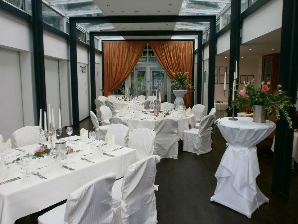 Beispiel: Tischanordnung / Empfang, Foto: Alsterköche im Ruderclub Favorite Hammonia.
