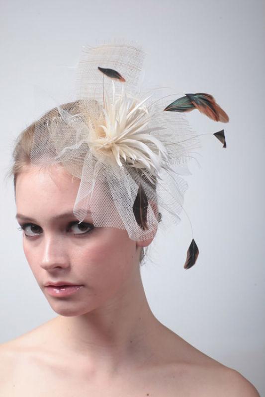 Beispiel: Wunderschöne Accessoires fürs Haar, Foto: Prinzessin Brautmode Accessoires.