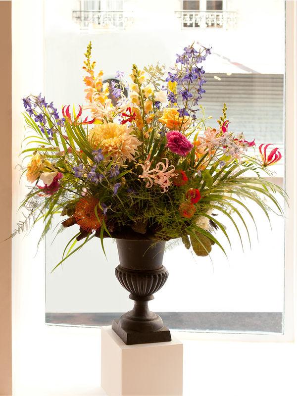 Debeaulieu - composition dans vase médicis