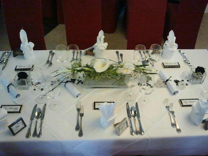 Beispiel: Tischgestaltung mit Blumen, Foto: Event-Floristik Isabella Neumeister.