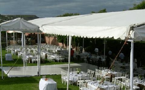 Carpas, montaje y asesoría para que el banquete de tu boda sea todo un éxito - Foto Dans le monde
