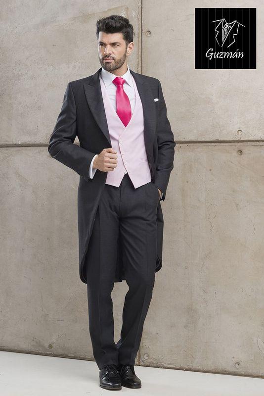 Alquiler de Chaqué gris con chaleco rayas rosas