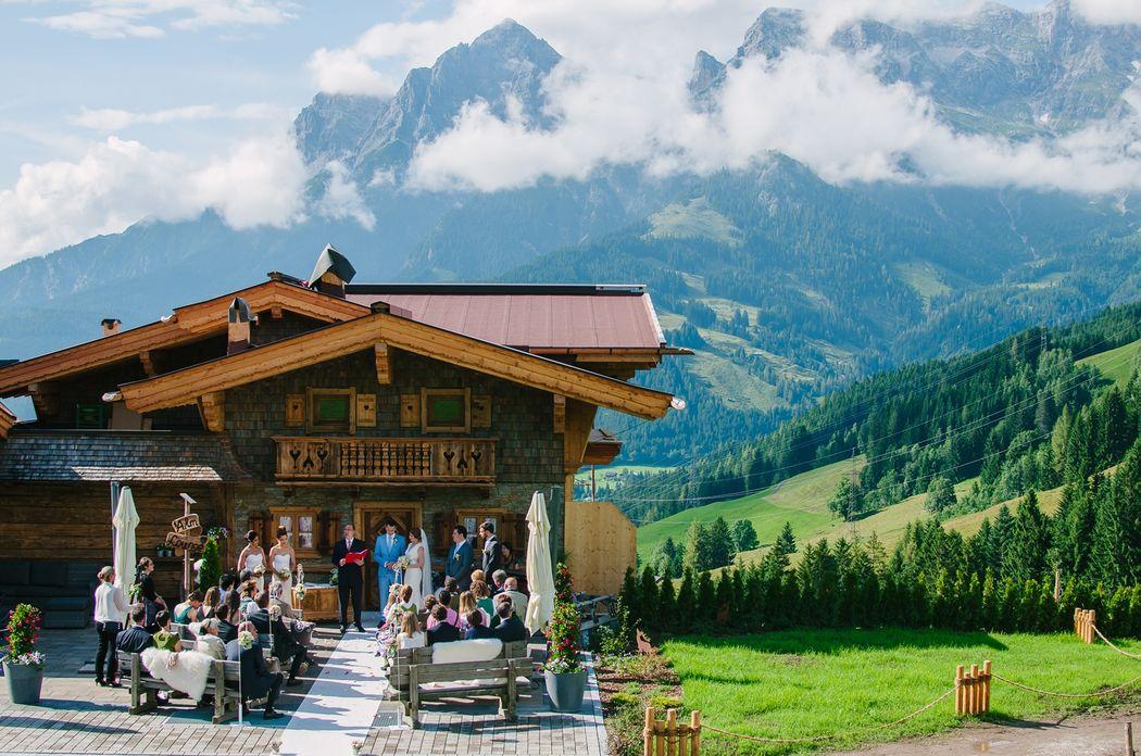 Romantisch-intime Almhochzeit. Foto: Lieblings-Hochzeitsfotografie