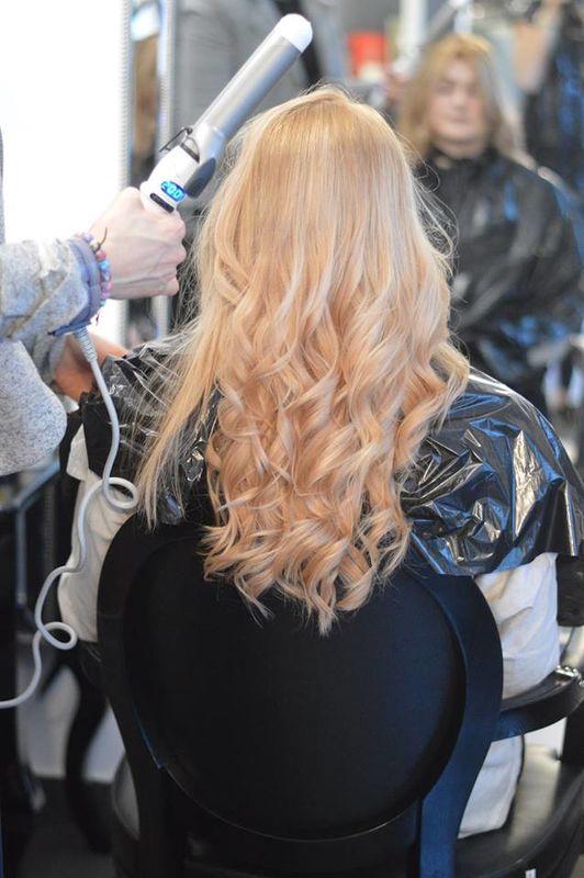 Hollywood-hair