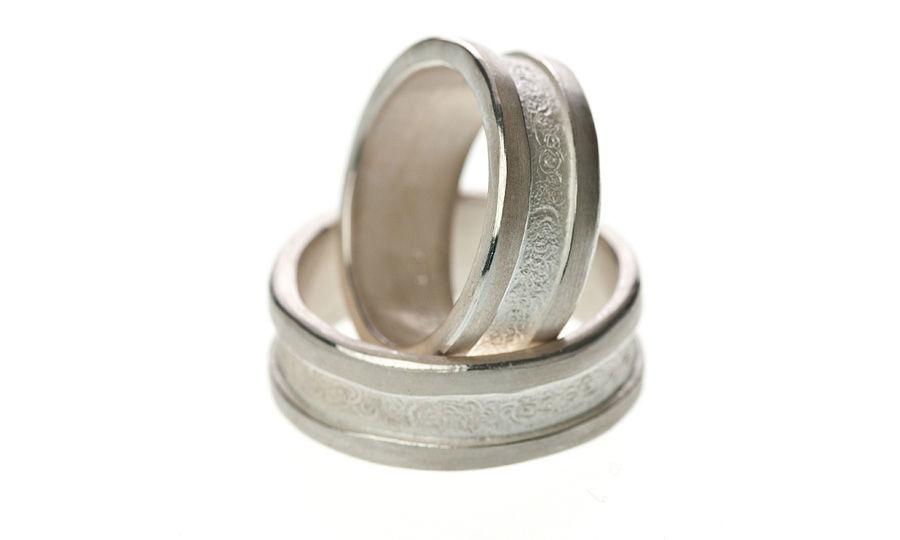 Beispiel: Ringe in Silber mit unterschiedlichen Schliffen, Foto: Eve & Me.