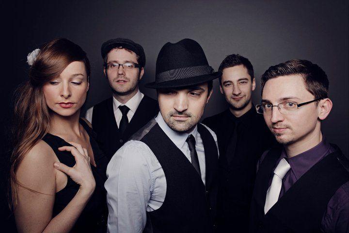 Beispiel: Bandmitglieder, Foto: abgroovebereit.