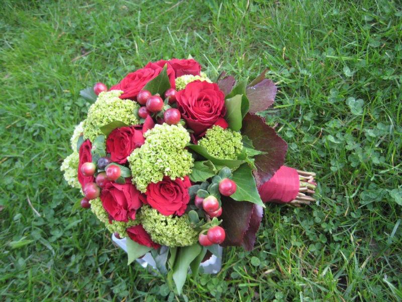 Beispiel: Brautstrauß, Foto: Blumen Galerie Oyten.