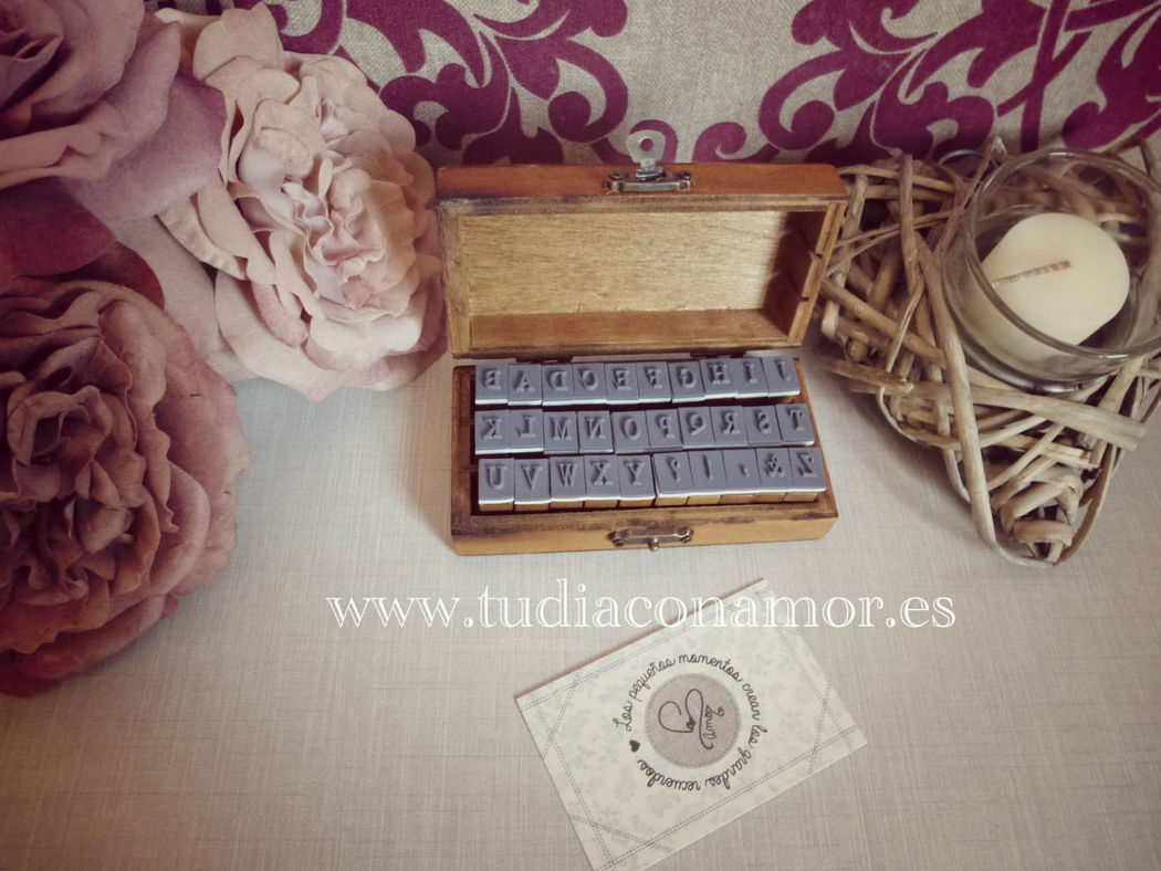 Boda DIY, scrap y craft. Sellos alfabeto para decorar complementos