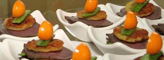 Beispiel: Kulinarische Genüsse, Foto: Adventure Catering.