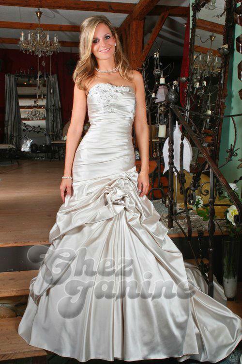 Beispiel: Mode für die Braut mit Stil, Foto: Chez Janine.