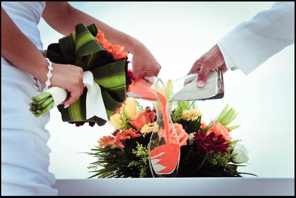 Ceremonia de arena una manera simbolica de representar una nueva familia