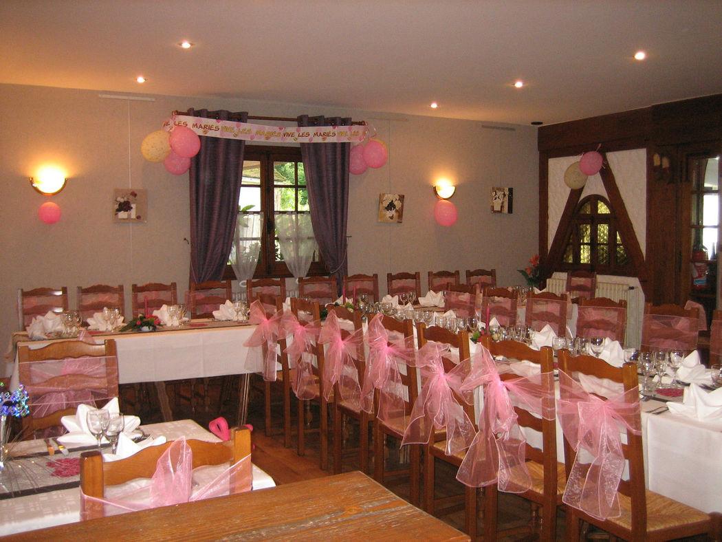 2de salle de restaurant pour petit mariage