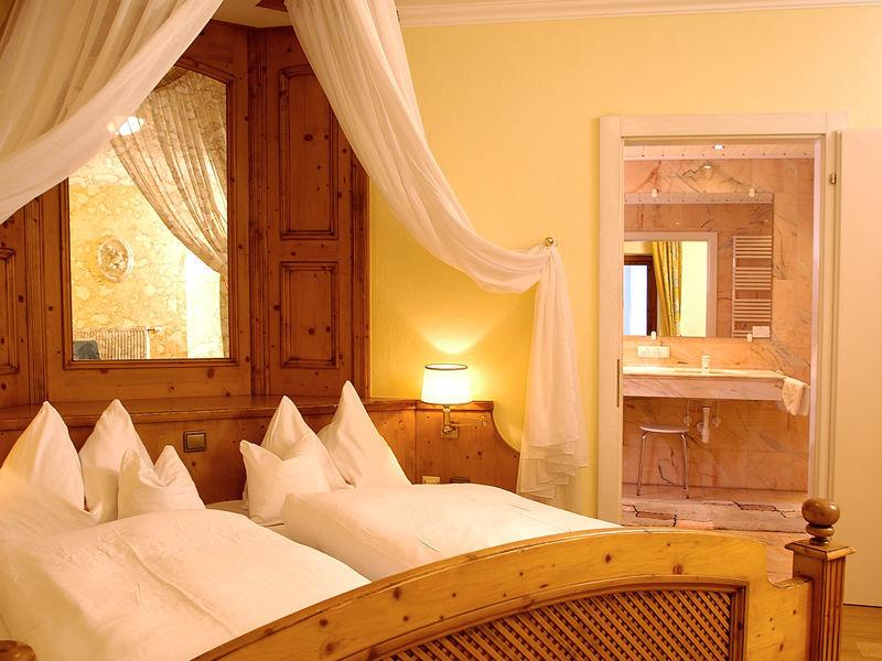 Beispiel: Himmlisch schlafen, Foto: Wedding Hotel Heitzmann.