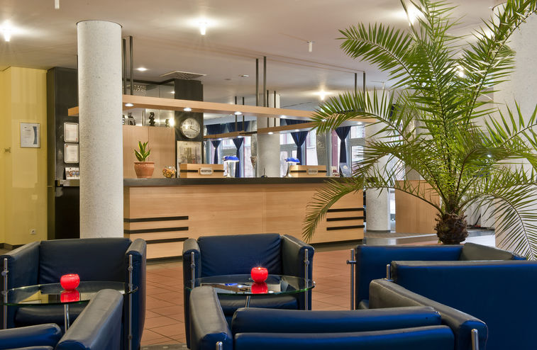 Beispiel: Lobby, Foto: Grand City Hotel Halle.