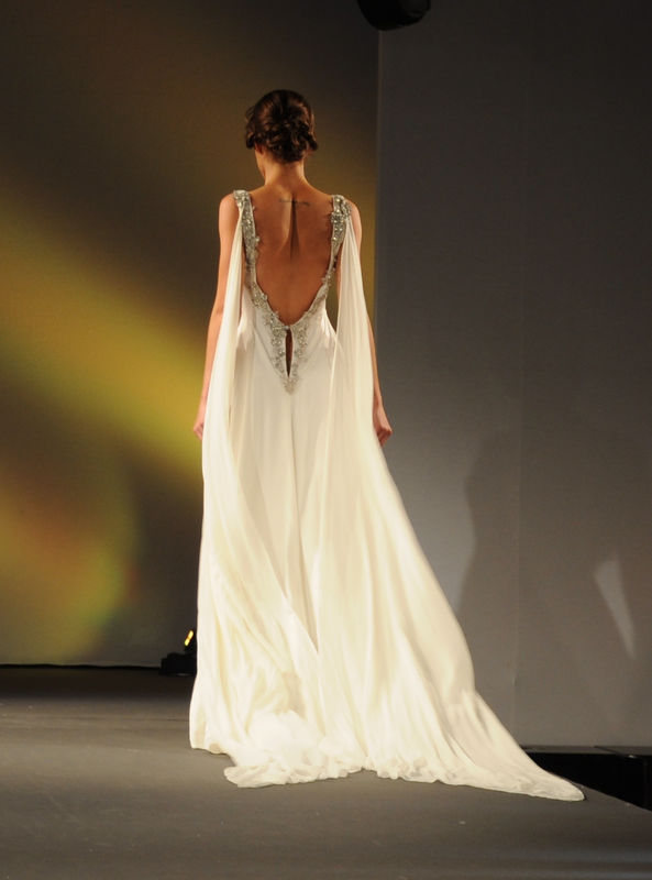 Robe de mariée Eudocia en soie lavée grand décolleté dos Agnès Szabelewski