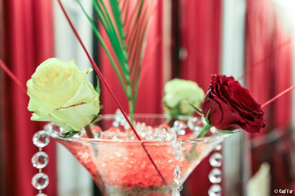 Décoration florale en vase à martini