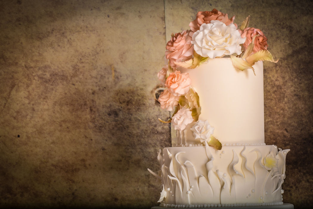 Sepia Cake Blume