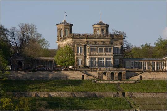 Beispiel: Schloss, Foto: Lingnerterrassen.
