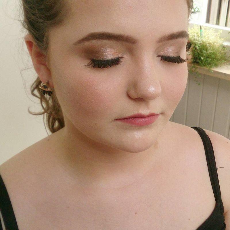 Makeup Artist Rhonda