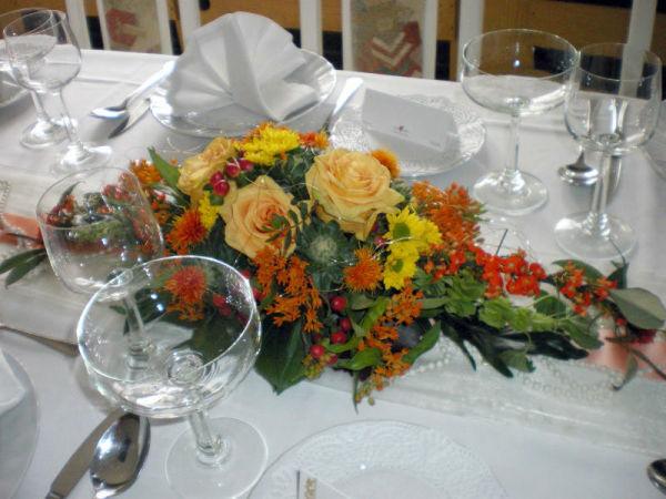 Beispiel: Blumengesteck, Foto: Restaurant Rosenhof.