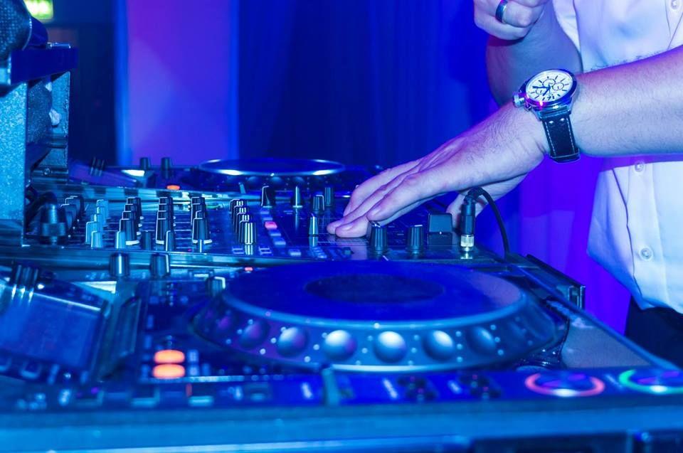 DJ Ariel Waldman (WITO)