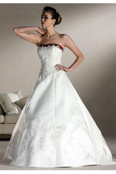Pompadour Braut- und Festmode