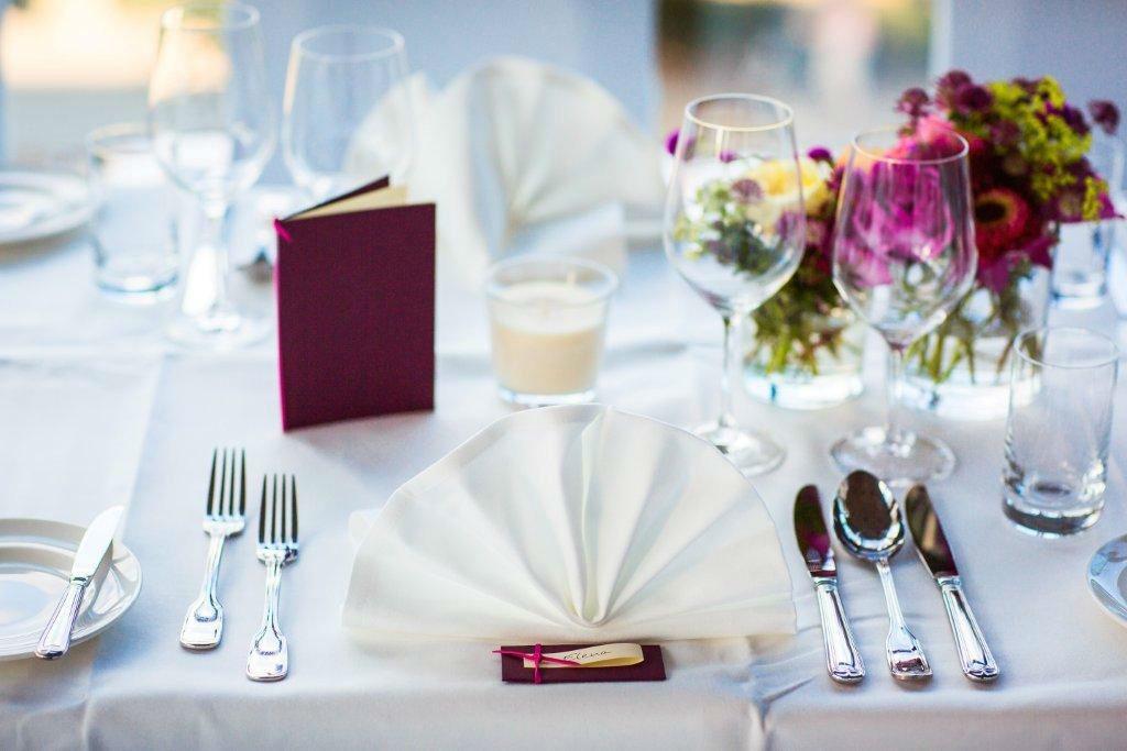 Beispiel: Bankett - Tischdekoration, Foto: Mainnizza.