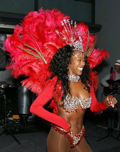 Beispiel: Samba Tänzerin, Foto: Brazuca Samba.