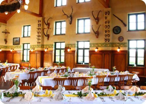 Beispiel: Hochzeitstafel, Foto: Gasthaus Inselkammer.